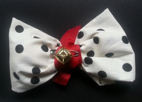 """RHODES SCHOLAR"" BOW TIE FOR CANINES;CATHERINE L. JOHNSON;"